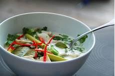 tom kha suppe light savory tom kha gai soup vegan gluten