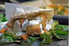 pitabrot mit falafel und r 246 stgem 252 se madame cuisine