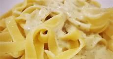 nudeln mit käse nudeln mit k 228 se sahne so 223 e zum verlieben thecurlytwin