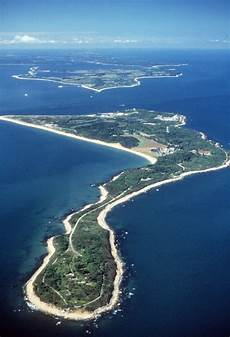 u s moves ahead plan to sell plum island home of a