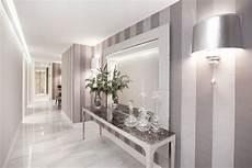 wände mit streifen gestalten vertikale streifen in silber und grau im flur floor