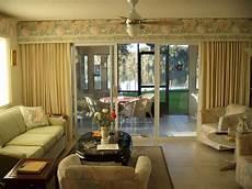 eine anmutige dekoration ideen f 252 r wohnzimmer mit blumen