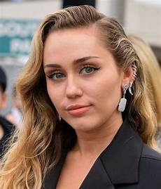 Miley Cyrus Miley Cyrus Net Worth 2020 How Much Is She Worth Fotolog