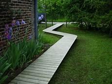 chemin bois jardin all 233 e en bois en 2019 jardins all 233 es jardin et