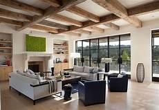 Wohnzimmer Rustikales Flair Sichtbare Holzbalken