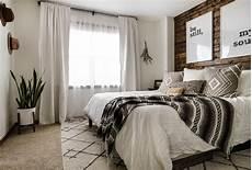 Schlafzimmer Rustikal Modern - modern rustic bedroom reveal tips on blending two styles