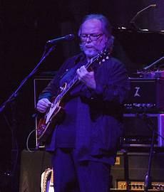 steely dan guitarist steely dan guitarist walter becker dead at 67 extratv