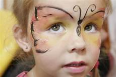 kinderschminken zauberer bennini