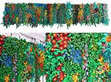 Cicia Hartmann Mur En Bouchons De Bouteilles Recycling
