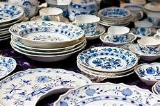 how to choose dinnerware this varied guide might help you