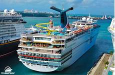 how many cruise ships does carnival cruise line have in their fleet