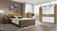 schlafzimmer komplett mit aufbauservice schlafzimmer aus kernbuche mit boxspringbett salvatore