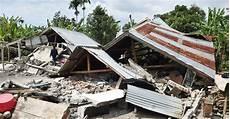 Dak Gempa Lombok 17 Jiwa Meninggal Dan 10 Ribu Orang