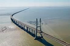 vasco fotografie aerial view of vasco de gama bridge lisbon portugal