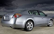 used 2007 nissan altima for sale pricing features