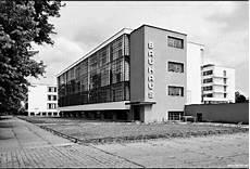 107 walter gropius bauhaus 1925 26 dessau edificio dell