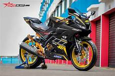 Yamaha R15 Modifikasi by Modifikasi Striping All New Yamaha R15 Ala Repsol