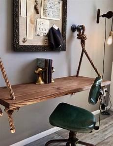 Bureau Suspendu En Bois Massif Chaise Vintage En Cuir