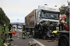 Zwei Tote Bei Unfall Auf Der Autobahn Datenschutz Teckbote
