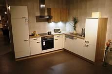 Küche Komplett Mit E Geräten - nobilia musterk 252 che k 252 chen block 400cm mit sp 252 lmaschine