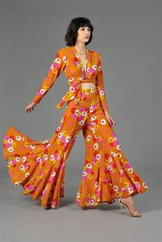 1970s style womens fashion looks 2020 fashiontrendwalk com