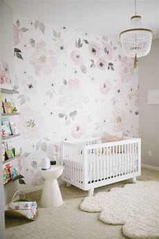 kinderzimmer tapete ideen watercolor floral a match made in nursery heaven