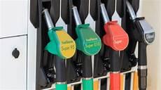 Einheitliche Kennzeichnungen F 252 R Kraftstoffe Nach Din En 16942