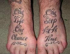 Tattoos Am Fuß Schriftzug - schrift fu 223 tattooidee