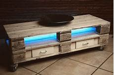 Holzpaletten Möbel Selber Bauen - sideboard aus europaletten parkett direkt magazin