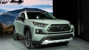 2019 Toyota Rav4 SUV Preview Class Leading Fuel