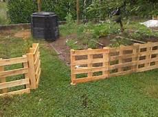 construire une terrasse en palette barriere potager jardin palette barri 232 re bosch au jardin
