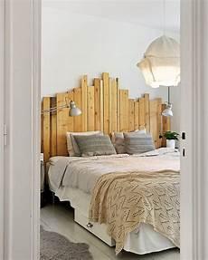tete de lit palette de bois 10 id 233 es diy pour cr 233 er un lit en palette shake my