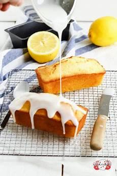 Zitronenkuchen Mit Zitronensaft - saftiger zitronenkuchen mit zuckerguss