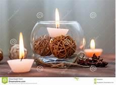 come creare le candele una candela in un vaso di vetro in una decorazione e nei