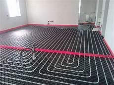 impianto termico a pavimento foto impianto a pavimento salone con giunto elastico di
