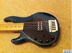 Musicman Stingray 5 Bass Left Handed 5 String Item Mi