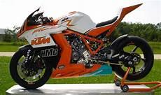 ktm motorrad drei r 228 der motorrad bild rc8r in der ama sbk motorrad sport