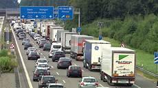 Autobahnbaustellen Im Land Stau Alarm An Der A8