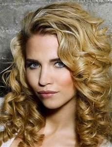 cool hairstyles for homecoming wavy hairstyles for medium hair best 46