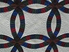 33 best amish mennonite quilts images pinterest double wedding rings amish quilts and