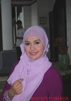 Beautify Yourself With Jilbab Ala Eddies Adelia