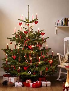 Weihnachtsbaum Rot Weiß Geschmückt - worauf muss ich beim weihnachtsbaum kauf achten