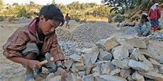 arbeiten gegen die schwerkraft die kinderarbeit weltweit verlorene kindheit taz de