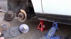 remplacer une rotule de suspension