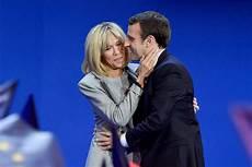 Die Liebesgeschichte Emmanuel Und Brigitte Macron