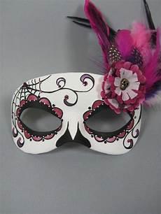 gruselige masken als bastelidee zu