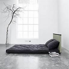 futon e tatami pin di onfuton su tatami minimalist bedroom japanese