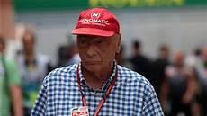 Formel 1 Legende Niki Lauda Nach Lungen Op Wohl Wieder Bei