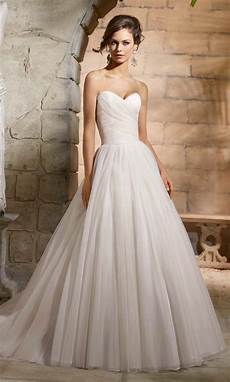 modern wedding gowns simple wedding gowns for the minimalist modern wedding