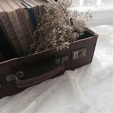 alte koffer deko 27 ideen wie den alten koffer wieder benutzen kann